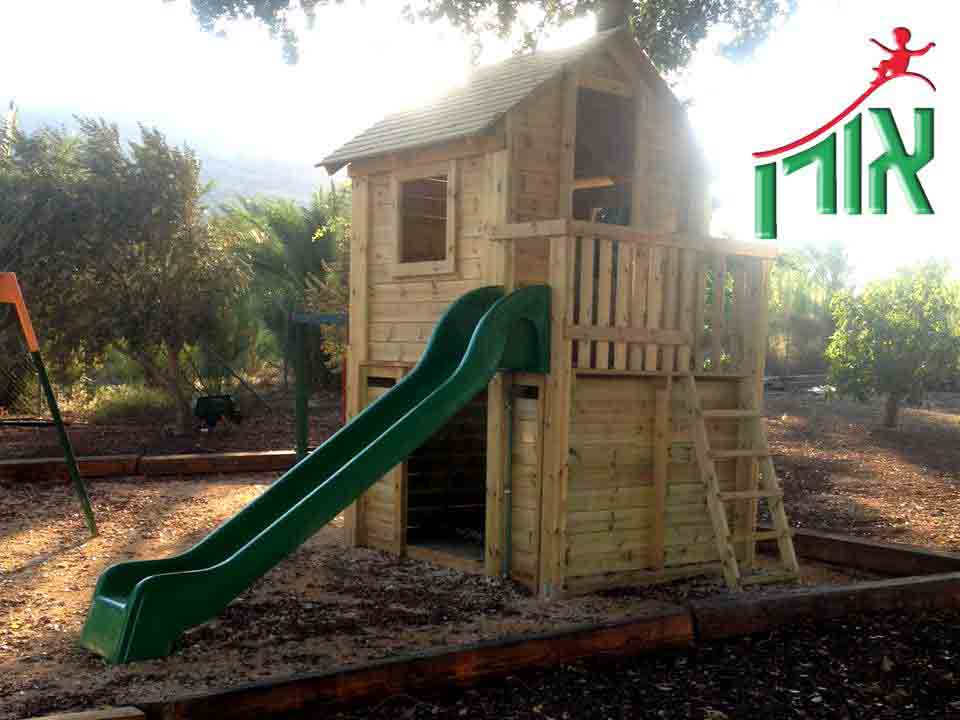 Magnificent wooden house with slide - 7203