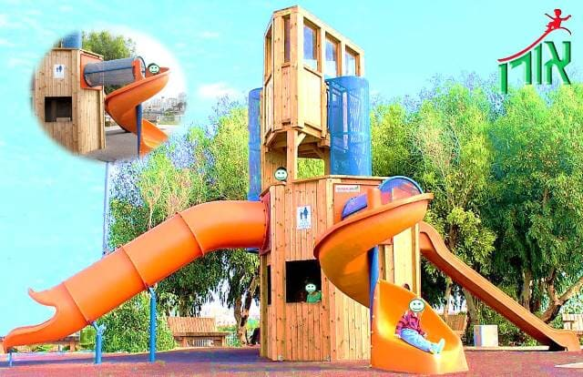 Wooden Playground Equipment - A large and impressive tower with an observation deck at the top (Carob - 1117)